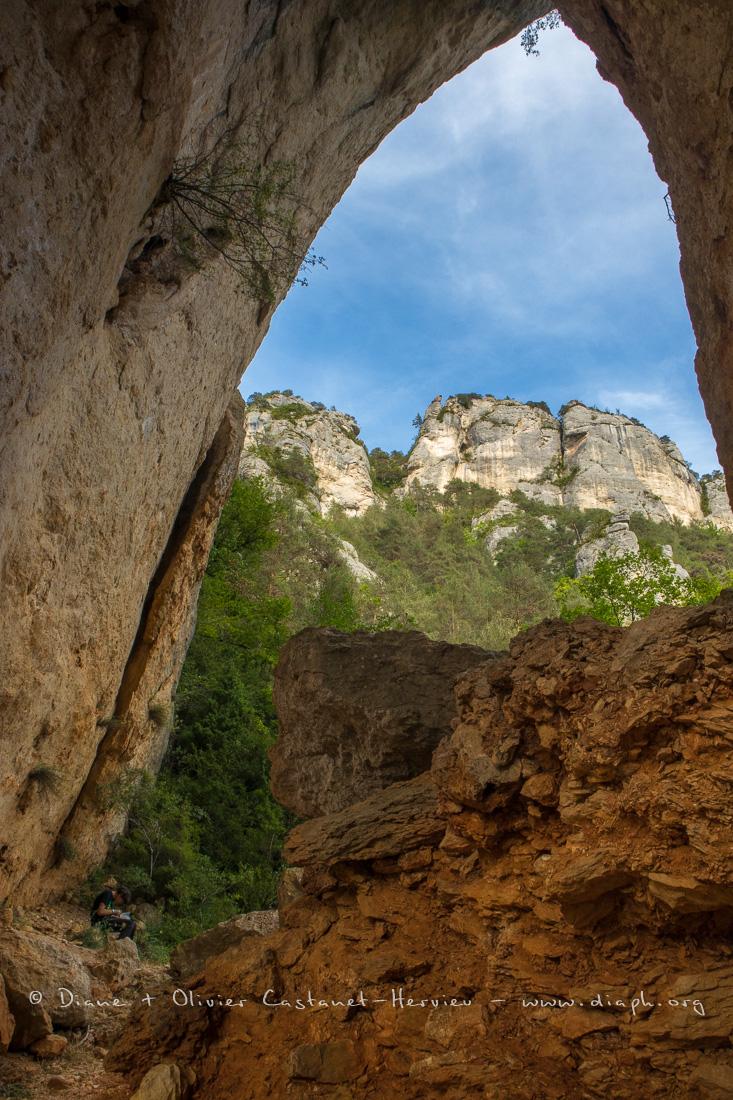 falaises du causse Méjean vu depuis le pas de l'Arc